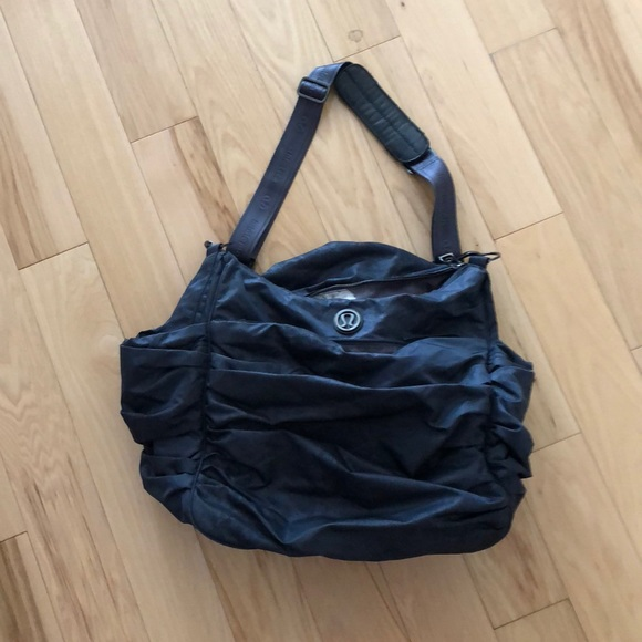 b6095103025d lululemon athletica Handbags - Lululemon gym bag duffel